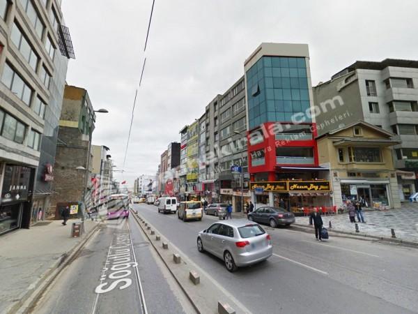 Kadıköy Halitağa Cad. Üç Yönlü, Prestijli Reklam Cephesi