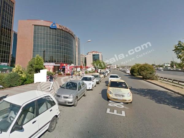 Kadıköy D100 üzeri Kaçırılmayacak Prestijli Kiralık Reklam Cephesi